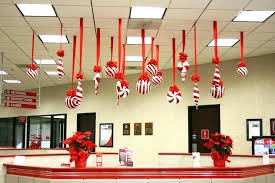 Decorate office door for christmas Baby Its Cold Outside Decorate Office Door For Christmas Office Door Decorations Ideas Decorating Office Door Christmas Contest The Hathor Legacy Decorate Office Door For Christmas Office Door Decorations Ideas