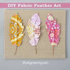 diy fabric feather wall art just use wire fabric some heat n bond