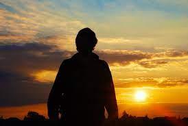 Foto Un hombre contra el sol de stock gratuita - FreeImages.com