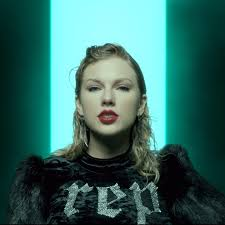 taylor swift s makeup in look what you made me do video popsugar beauty