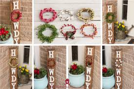 diy howdy front porch pallet sign with interchangeable seasonal wreaths easy and inexpensive diy welcome