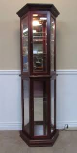 pulaski curio cabinet. Interesting Cabinet PULASKI CURIO CABINET ILLUMINATING DISPLAY CASE SHELVES MIRROR BACK Intended Pulaski Curio Cabinet