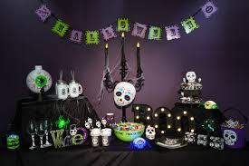 Poundland_halloween_table902