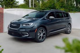 The pacifica hybrid limited met all of our needs and then some. 2021 Chrysler Pacifica Prices Reviews And Pictures Edmunds