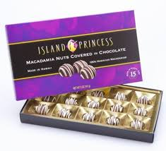 kahakea milk chocolate ered macadamia nuts with white drizzle gift box