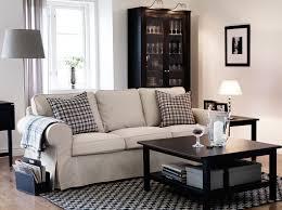 Sofá de 3 plazas ektorp con funda tygelsjö beige y mesas