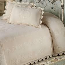 Maisonnette Matelasse Bedspread &  Adamdwight.com