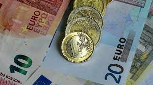 Euro's Surge Shows Power of Carry Trades Unwinding - WSJ