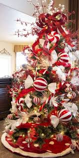 Adorable 45 Joyful Christmas Tree Decor Ideas https://homeylife.com/45
