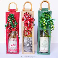 Diy Wine Bottle Labels Our Mini Family A Diy Wine Lover Christmas Gift