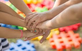 Zabawy dla dzieci na dworze - 15 pomysłów na gry na świeżym powietrzu