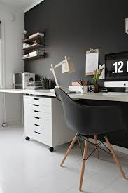 Ideen Für Die Gestaltung Von Bürowänden Wandfarbe Pinterest Wandfarben Ideen Home Office Gestalten Schwarze Wände Pflanzen 70 Wände Streichen Ideen In Dunklen Schattierungen Möbel