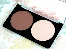 the kit i have is a press sle the kits sold in s have a solid makeup for ever sculpting duo