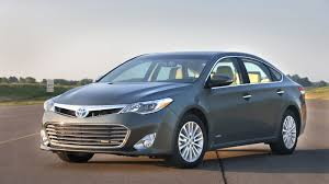 2013 Toyota Avalon gets the Camry's V-6, Hybrid engines - Roadshow