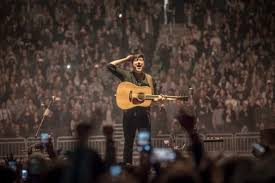 Foo Fighters Milwaukee Seating Chart Mumford Sons Cover Ac Dc With Fan At Delta Tour Finale