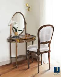 Women Love To Look And Feel Beautiful Every Morning They Make An Effort To Put Their Best Foot Forward Vanity Room I Side Chairs Bedroom Corner Vanity Table