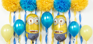 diy deable me and minions party ideas featured image balloons and crepe paper