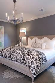 stylish what color bedding goes with grey walls creative design what color bedding with brown walls bedroom with brown