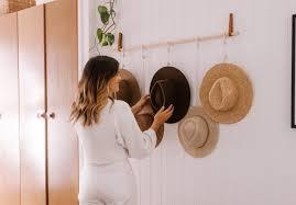 make this hanging hat rack