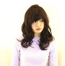 小顔効果抜群レイヤーカットで可愛い軽やかヘアスタイルhair