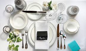 Dining etiquette and how to arrange your dining table for formal parties