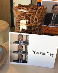 Office Birthday Parents Throw Hilarious Office Themed Party For Sons First Birthday