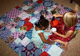 Stitched Together: Tutorial: How to Hand Sew a Quilt Binding & Tutorial: How to Hand Sew a Quilt Binding Adamdwight.com