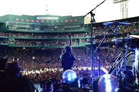 Pollstar Pearl Jam Rocks Fenway With Tom Pettys
