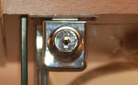 glass door lock detolf