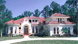 spanish style homes with interior courtyards modern house plans central courtyard for narrow lots home photos spanish style house plans