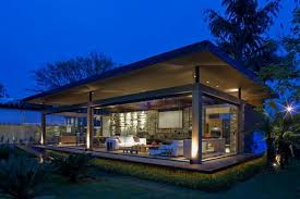 modern house with open sensation using glass walls