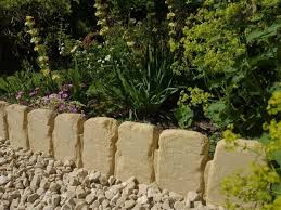cotswold path edging ideal for garden