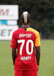 Galatasaray, Henry Onyekuru'yu resmen açıkladı