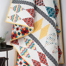 You'll Love These 18 Free & Easy Quilt Patterns - DIY Joy & Free Modern Quilt Pattern | Easy Geometric Design Quilt | DIY Projects &  Crafts by DIY Adamdwight.com