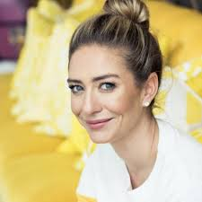 Wolfe herd is married to michael herd, her long time boyfriend, an oil and gas heir who also owns the grove kitchen & gardens. Whitney Wolfe Herd Whitwolfeherd Twitter
