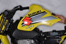 suzuki ds and jr motorcycle cyclepedia online service manual suzuki jr80 tank cover removal