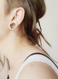 biggest gauge size stretched ear lobe gauges can they shrink back