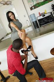 Shaved Mature MILF Nikki Benz Wearing Platform High Heels in.