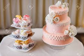 Cupcakes With Individual Wedding Decoration With Wedding Cake