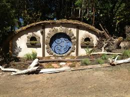 How To Build A Hobbit House The Construction Of A Hobbit Hole Make