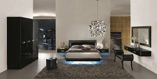Bedroom:Stylish Wooden Bed Frame In Netral Bedroom With Exotic Classic  Table Lamps Leather Bedroom