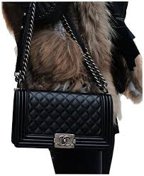 Chanel Black Lambskin Shoulder Bag - Tradesy &  Adamdwight.com