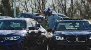 BMW Convertible bmw vs mercedes drift : BMW M5 Drifts For 8 Hours, Breaks Two World Records