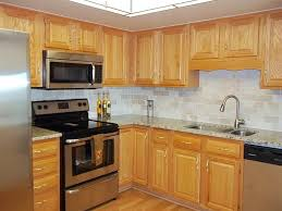 oak kitchen cabinets with granite countertops. With Granite Walls Oak Kitchen Cabinets What Color Countertops Stainless Steel Appliances E
