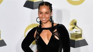 alicia keys looked incredibly radiant without makeup at the 2018 grammy awards