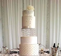 chandelier cake stand wedding
