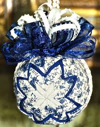 321 best Quilted Ball Ornaments images on Pinterest   Christmas ... & No Sew Ornament Balls - Ju-Jus Quilting Adamdwight.com