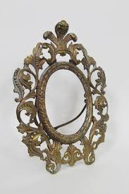 antique ornate cast metal oval victorian picture table frame 10 tall vintage