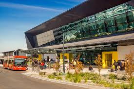 Melbourne airport (mel) is the primary airport serving melbourne with four terminals handling domestic and international flights. Melbourne Airport Guide