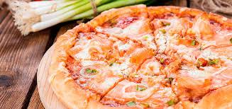 Risultati immagini per pizze pomodoro mozzarella salmone crema di salmone